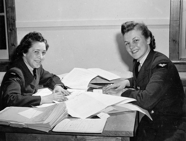 Members of the RCAF Women's Division work at No. 2 Service Flying Training School at RCAF Uplands, Ontario. PHOTO: DND