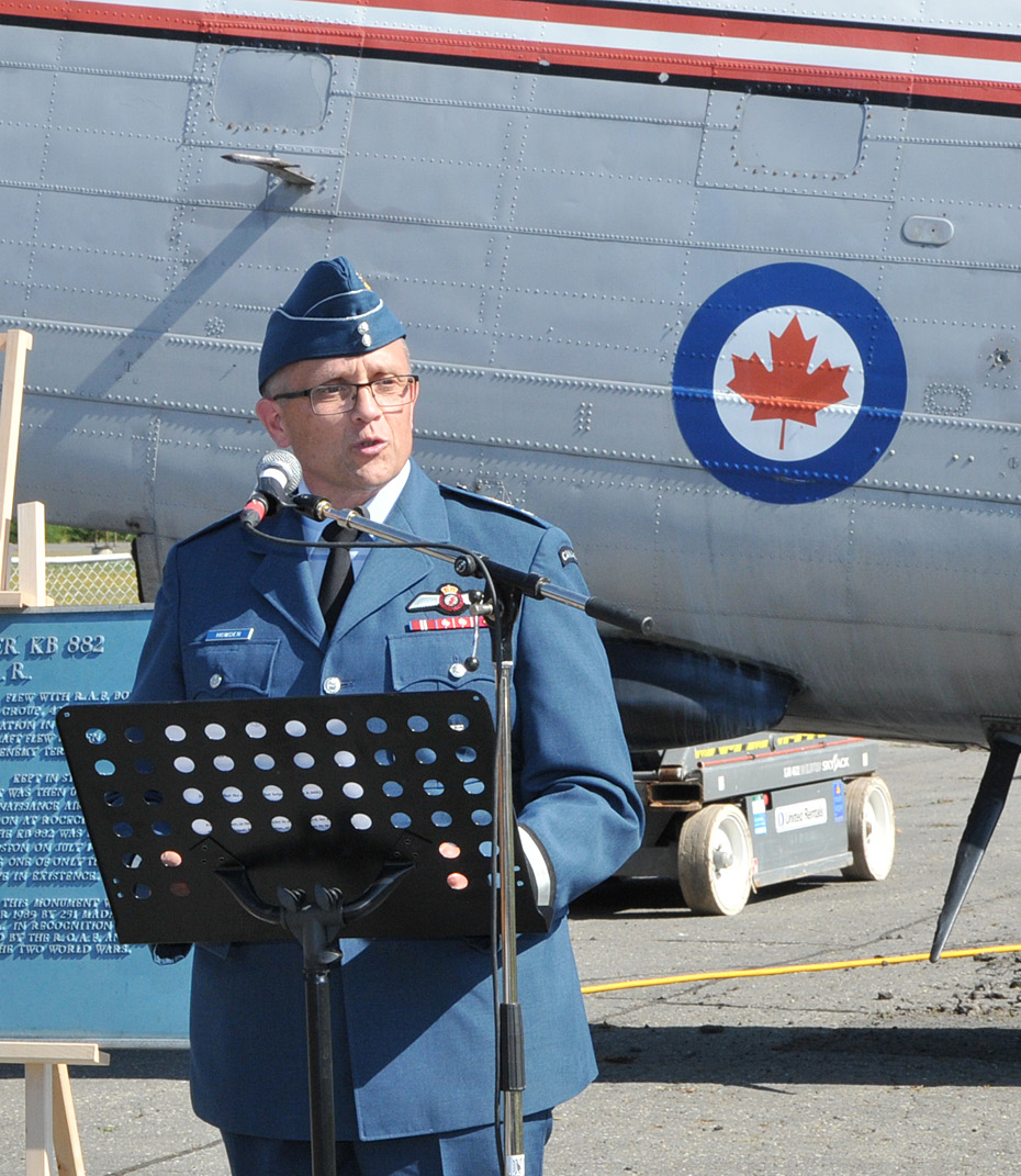 Brigadier-General Scott Howden, representing the commander of the Royal Canadian Air Force, expressed his appreciation to the city of Edmundston for entrusting the National Air Force Museum of Canada with the restoration and preservation of Lancaster KB882. PHOTO: Warrant Officer Fran Gaudet