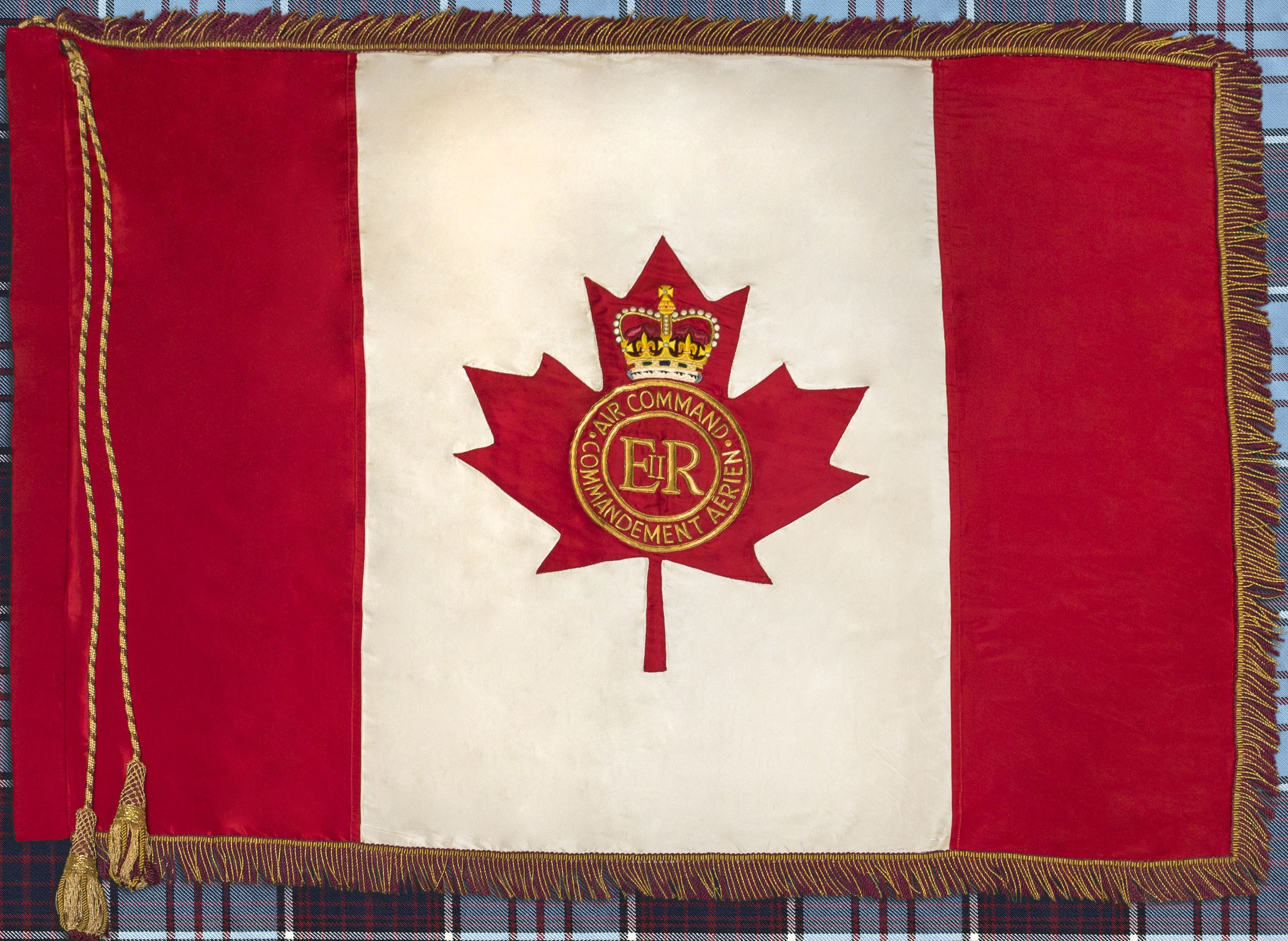 The RCAF's retired Queen's Colour, which was transferred to the guardianship of the Toronto Maple Leafs on February 10, 2018, reflects the Air Force's earlier identity as Air Command. PHOTO: Corporal Alana Morin, FA03-2018-0014-01m