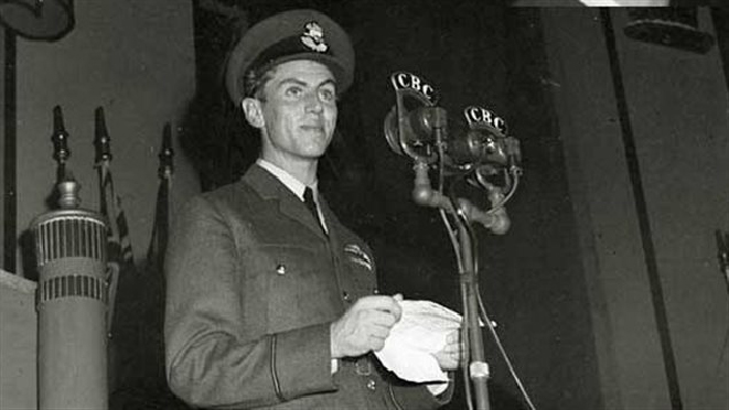 In early 1943, Flight Sergeant George Beurling speaks during a Victory Loan Drive in Canada. PHOTO: CBC Archives