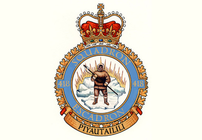 The badge of 418 Search and Rescue Operational Training Squadron depicts an Inuit person on an ice-floe, holding a harpoon. This symbolizes the function of the unit, which stood on guard on Canada's northern frontiers. The ice, with its reflections, symbolizes the northland. The squadron's motto is PIYAUTAILILI (Defend even unto death). IMAGE: DND